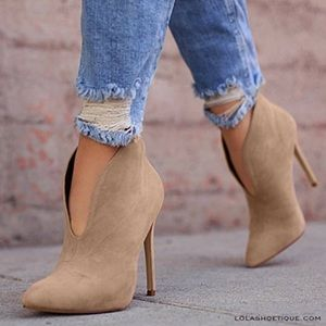Slit Style Pointed Toe Booties